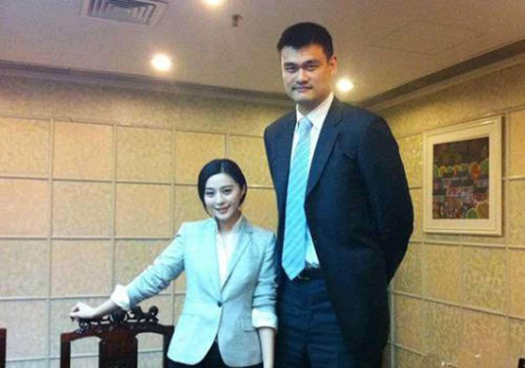 一家子巨人!姚明10岁女儿1米7,父亲2米08,那姚明爷爷多高呢?