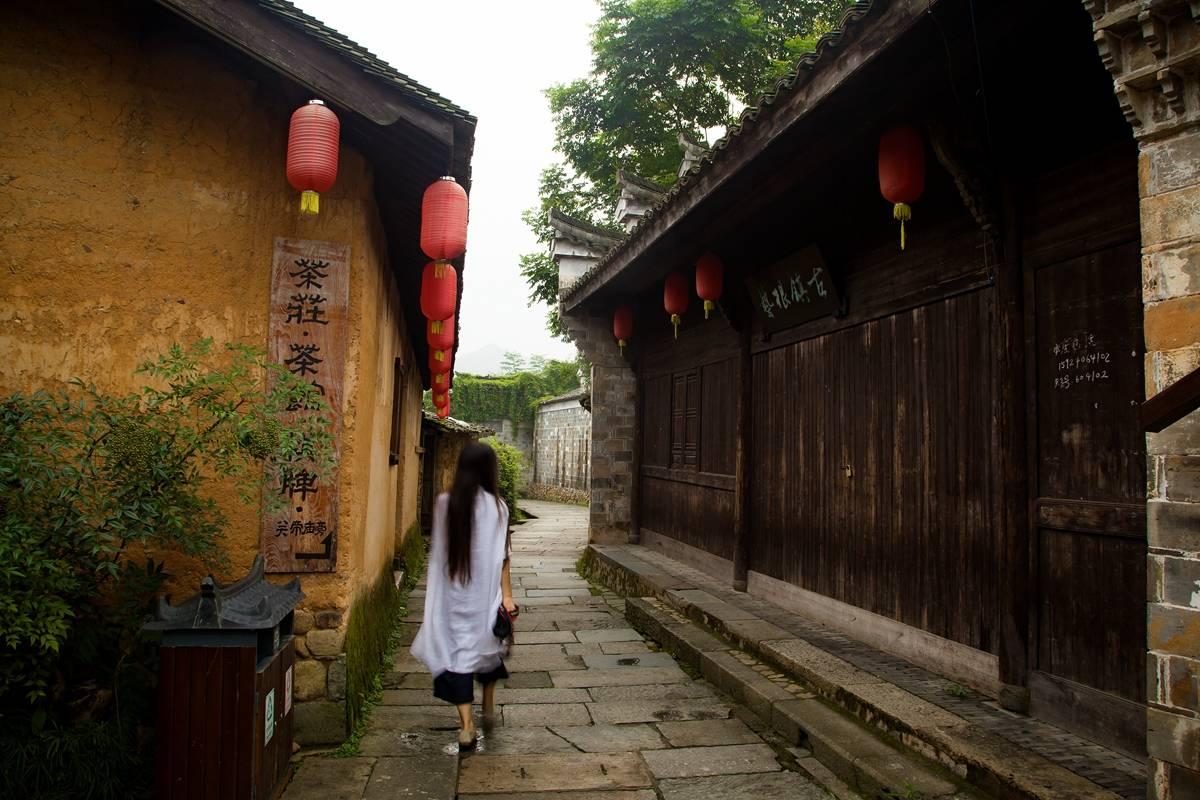 中国最适合慢生活的4座小城,风光独秀,闲适安逸,住下不想走