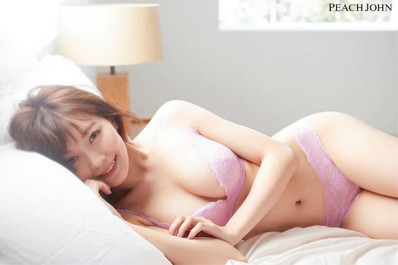 前NMB 48成员渡边美优纪,穿着PEACH JOHN蜜桃派人气内衣展现美丽身姿