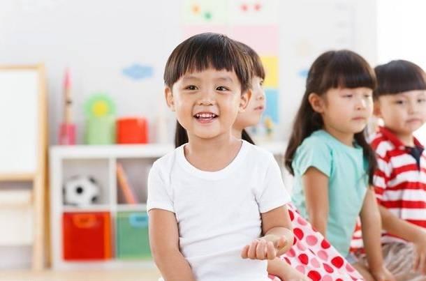 孩子出生在几月最好?娃上学后才发现,其实生在这两个月最吃亏