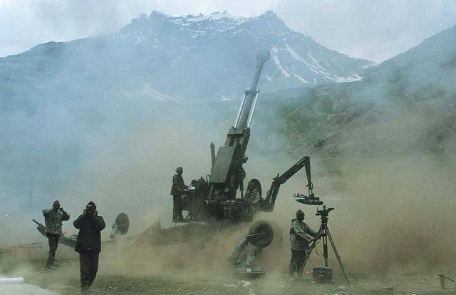 印军阵地遭重炮摧毁伤亡人数惊人