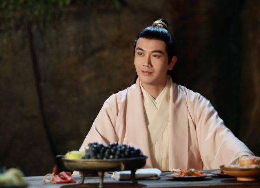 三生三世:折颜并不是唯一凤凰,她的真身也是凤凰,还是墨渊初恋_伏羲琴