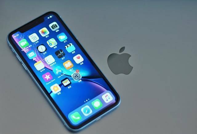 """iPhone XR一夜成""""小米价""""!还是A12仿生加持,首批用户买早了"""