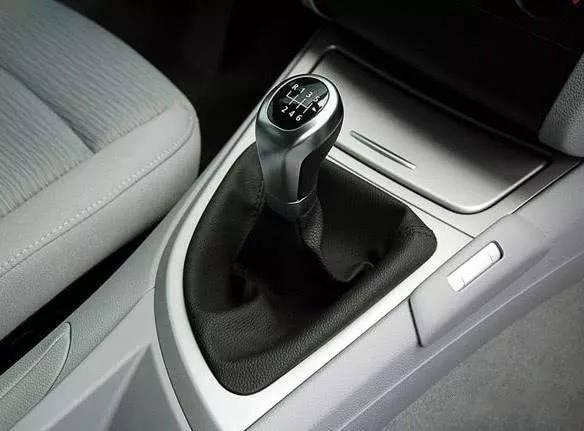 手动挡汽车为什么要保持档位和速度相匹配 这里告诉你原因