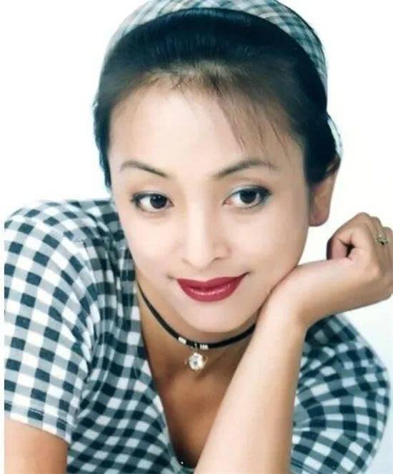 她称中国男人不懂得浪漫,被网友称作是,靠自己一人之力已经把儿子抚养长大(图10)