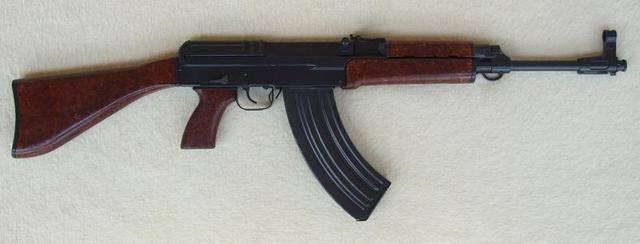 原创             捷克军队的传家宝?服役至今已有半世纪,酷似AK却与AK截然不同