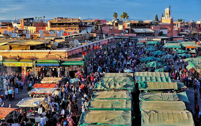 摩洛哥马拉喀什:弯弯绕绕的不眠广场,走着走着就迷路了