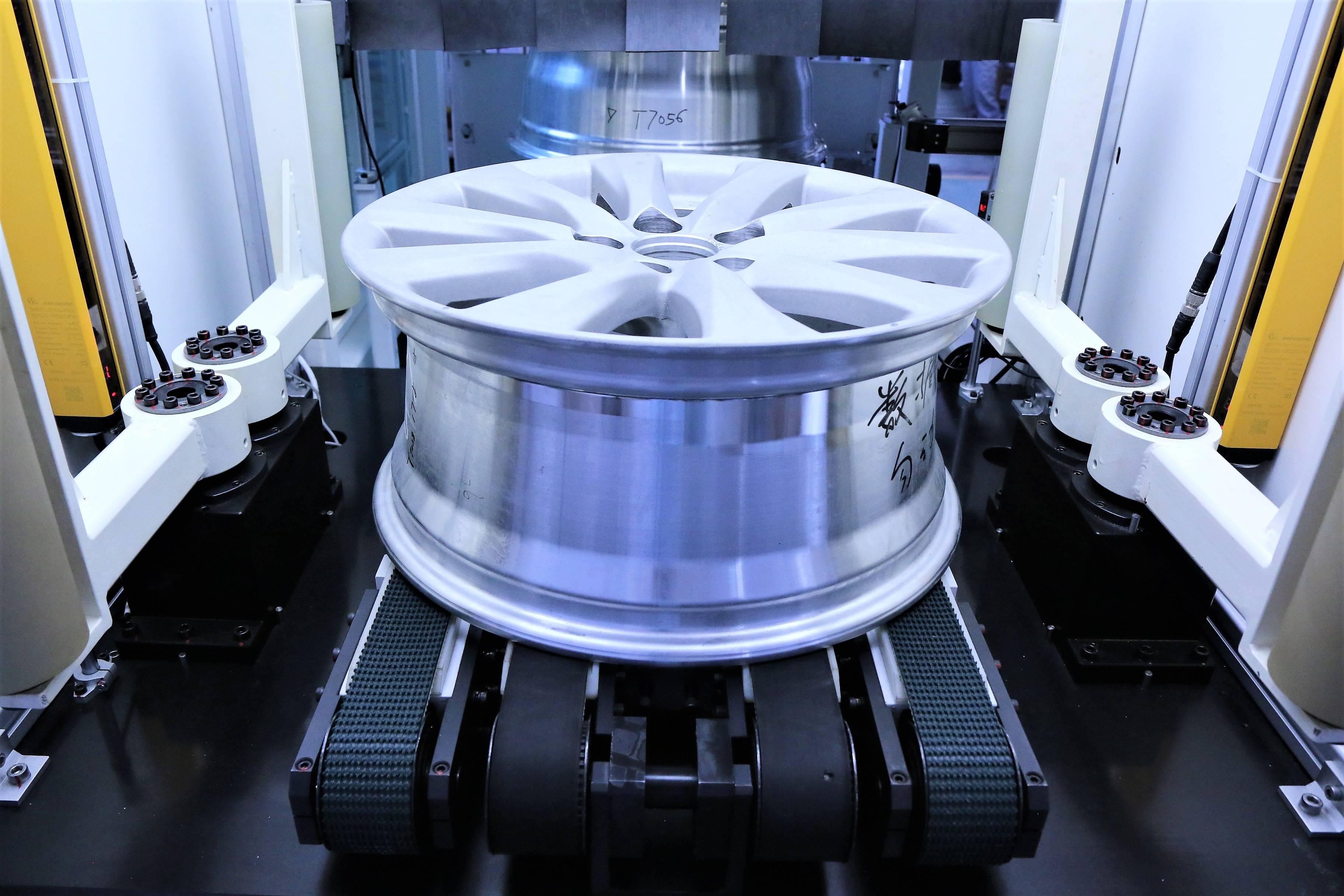 集智轮毂平衡机