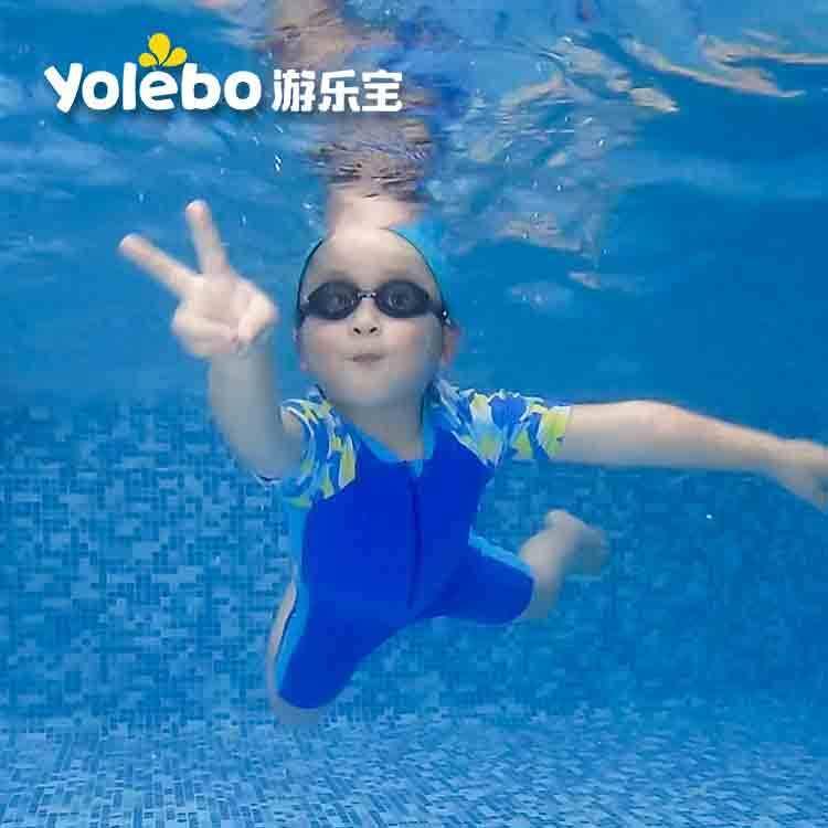 『游泳池』那些从小就在婴儿游泳池中运动的宝宝们现在有什么变化?,