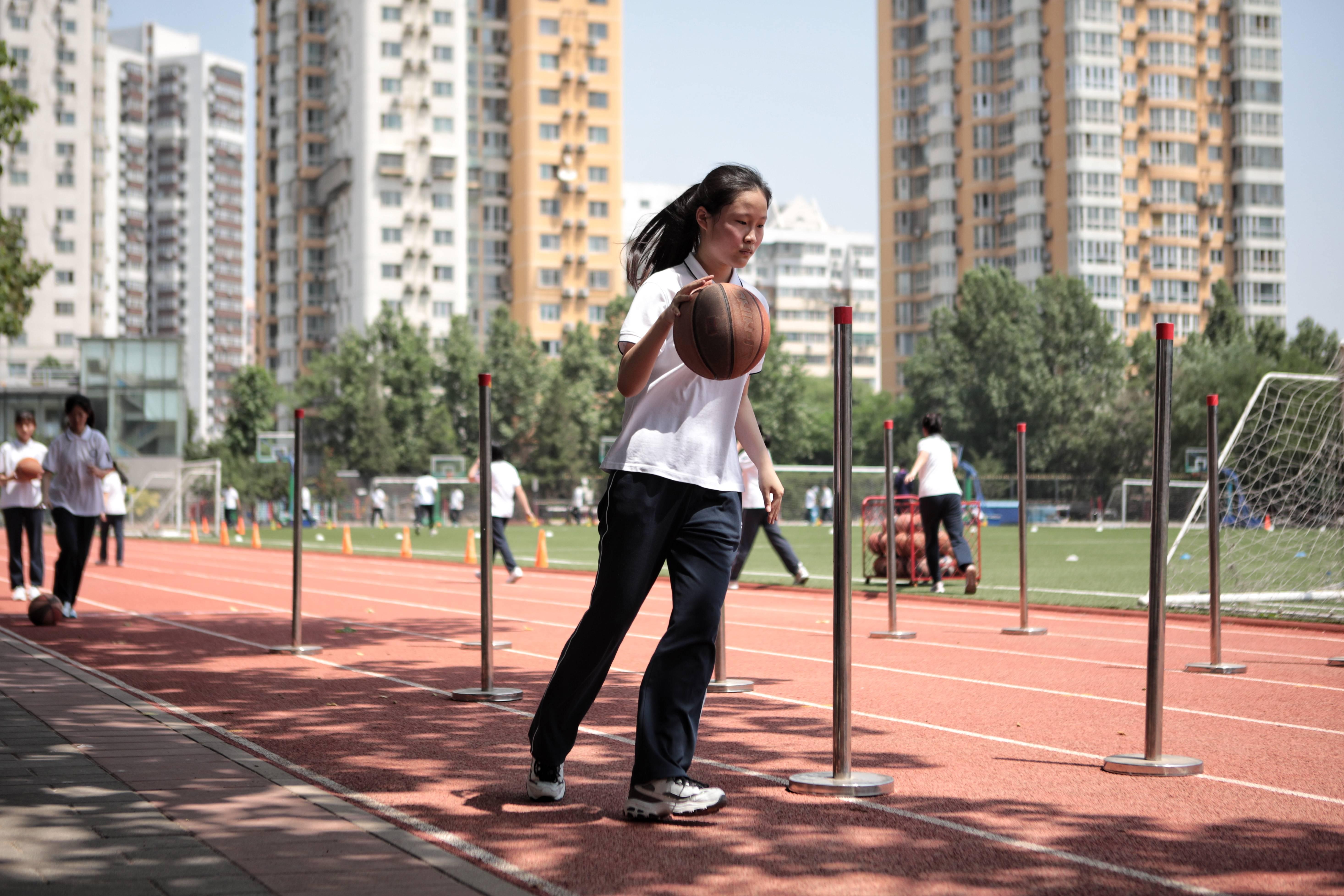 血拼三张官方下载:6月10日中考体育迎首考 学生随堂测、完成即得分