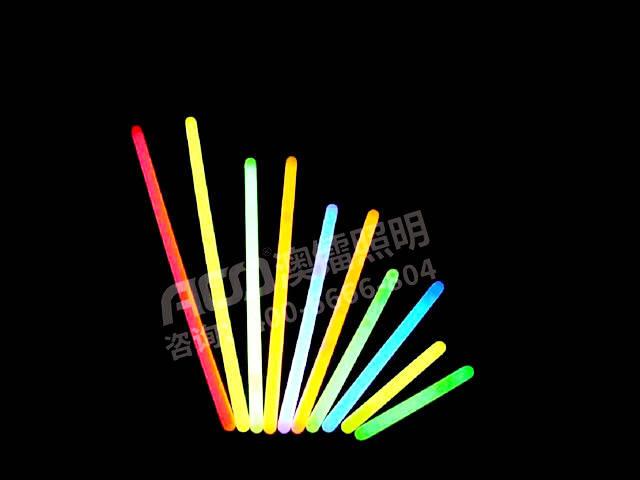 荧光棒的原理是什么_拿荧光棒跳舞叫什么