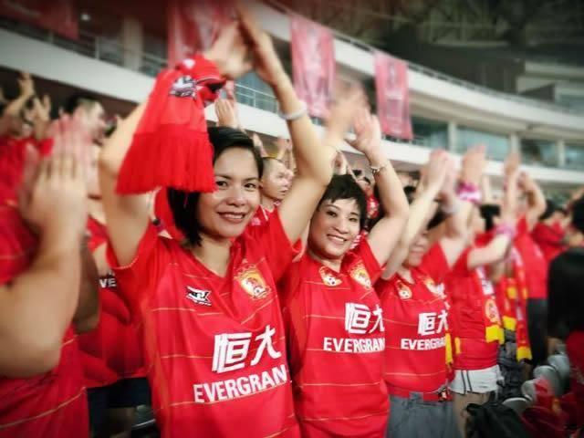 02年国王队 原创            又一次为中国足球争光,广州恒大再获殊荣!足协,你看到了吗?