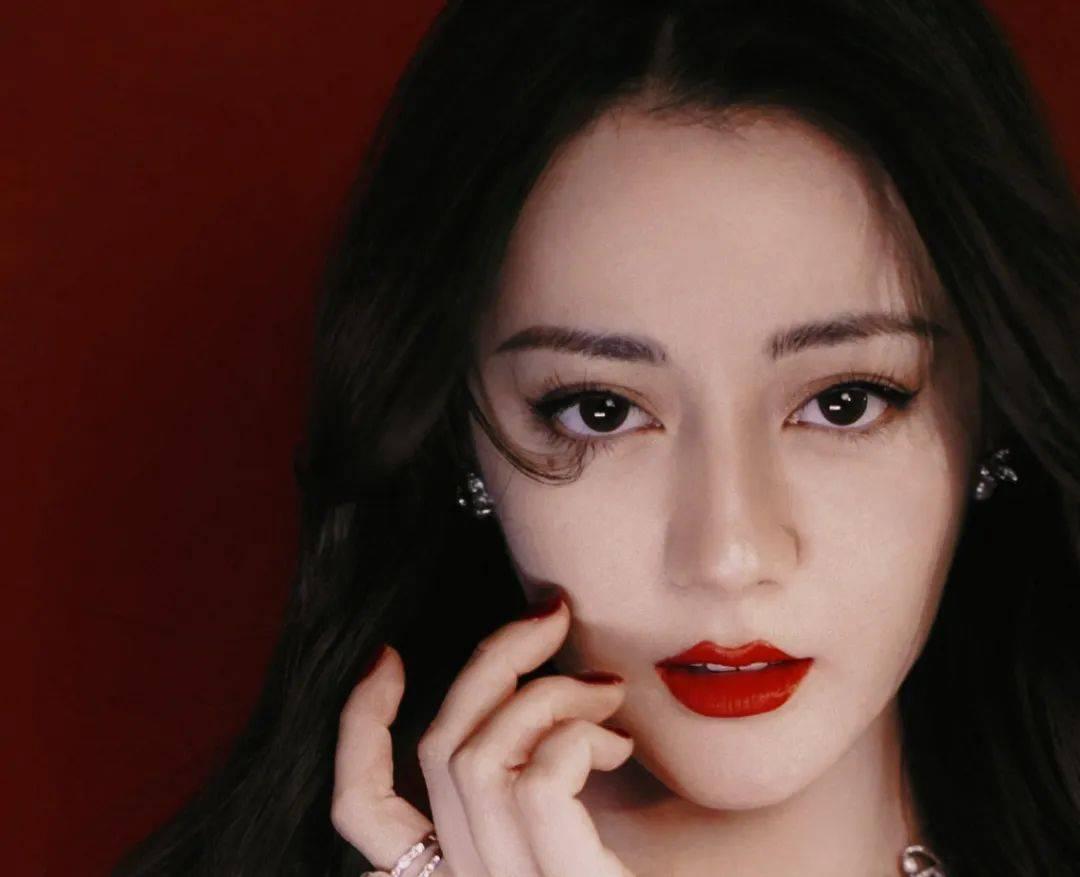 鲶鱼脸倪妮赢过惊艳脸热巴?高奢品牌的最爱脸长这样!