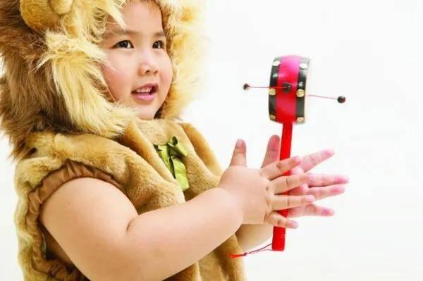 资深育婴师亲身传授适合跟0~3岁宝宝玩的20个亲子游戏