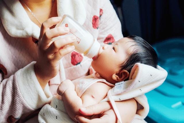 新生儿视觉和动作怎样训练?家长给宝宝最好的
