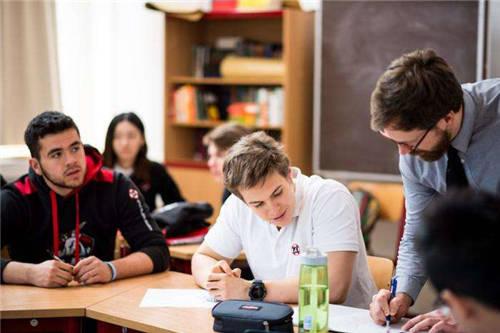 美国留学学校挑选六要素分享,你眼中的核心事