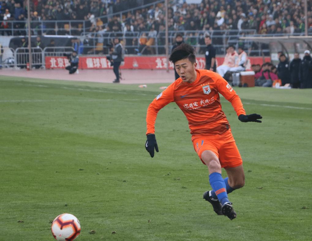 24岁联赛出场第2,里皮李霄鹏为何都重用他?