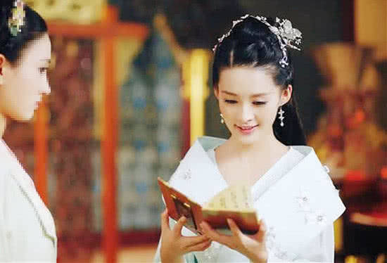 8位在看书的古装女星,个个美若天仙