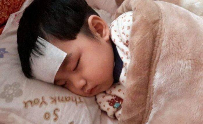 #孩子#医生:许多父母还纵容娃吃,无知!,吃一次相当于吃1个塑料袋