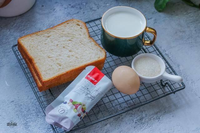原创我的简单易早餐,外焦里嫩,奶香十足,比蛋糕还好吃