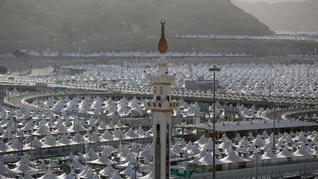 沙特阿拉伯允许大约1000名朝圣者进行一次朝圣