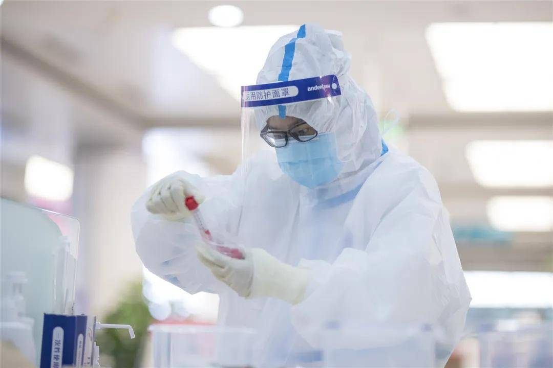全面筛查,筑牢防线,北京友谊医院4000余名职工全部完成核酸检测
