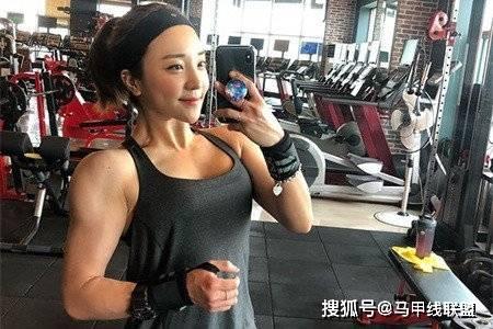 长相甜美身材却很强壮,通过不断努力,24岁成为健身教练 动作教学 第2张