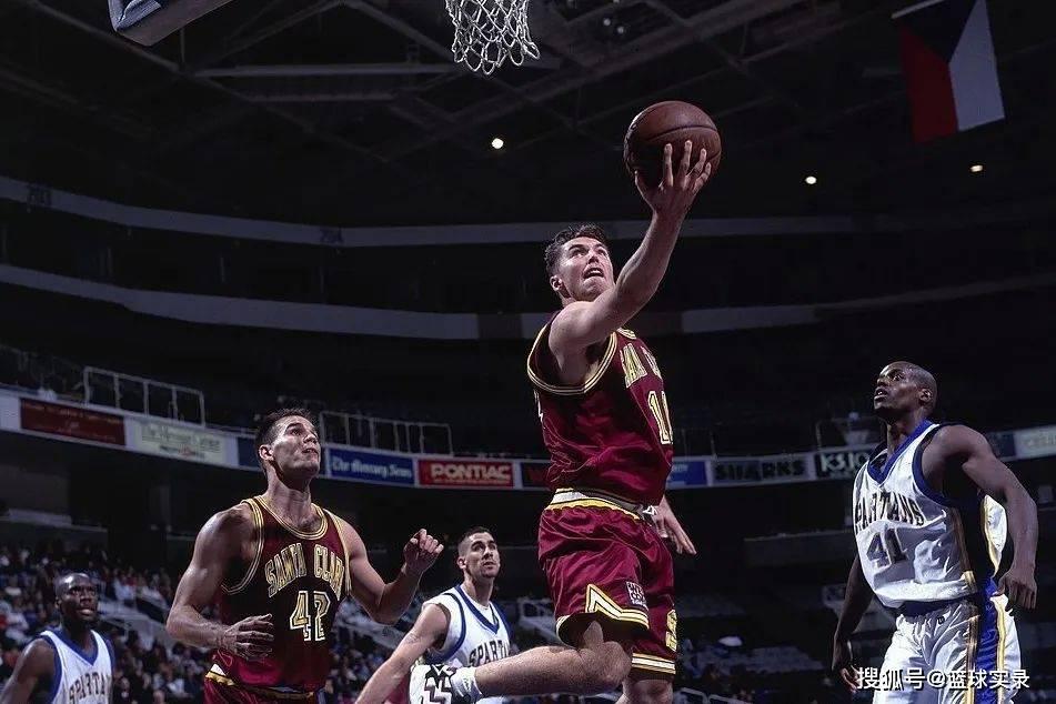 纳什的选秀报告!96黄金一代,堂堂MVP,为何掉到15顺位? 国际新闻 第6张