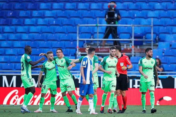 西甲-武磊遭提前换下西班牙人0-1 保级