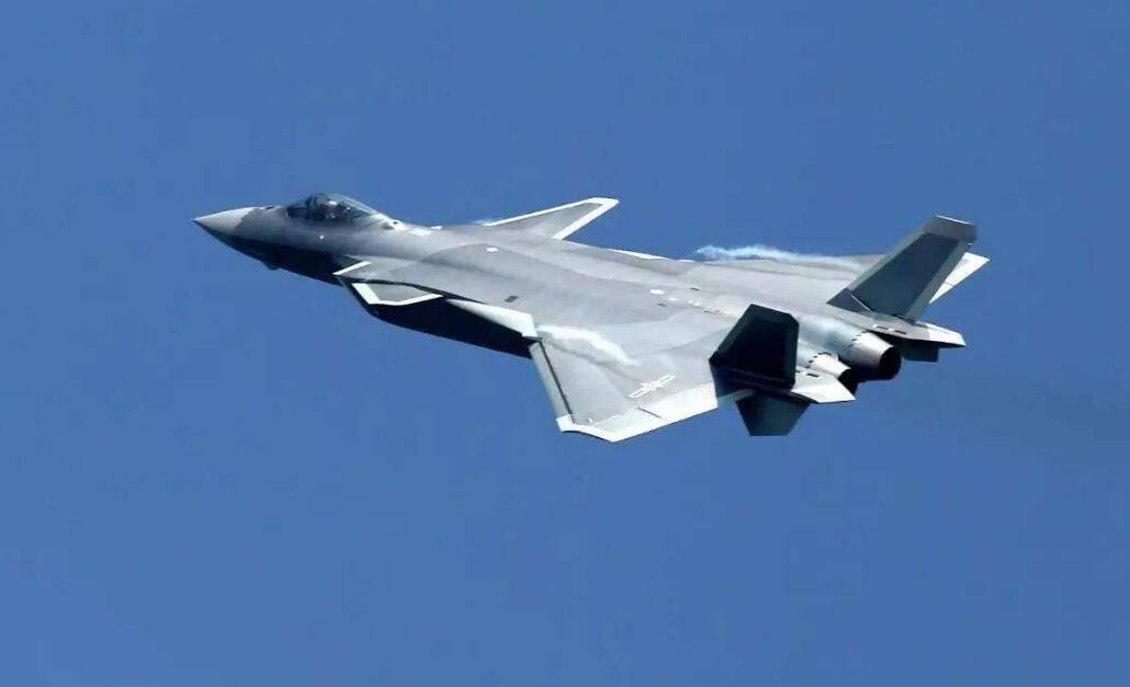 各国都在模仿F22,为何不仿制歼20?瑞典试过后直摇头