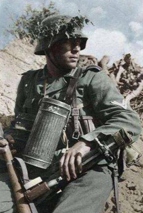 德国士兵随身携带的大铁罐,里面到底装的什么?老兵:救命的玩意!_德国新闻_德国中文网