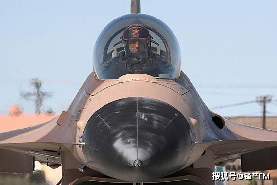 F16战斗机生产4700余架,坠毁接近700架,为何还被称为最成功的三代机?