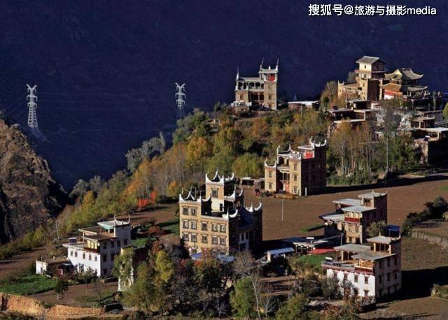 原创             中国古镇最美之首,竟是传说中的女儿国?美女如云被誉为美人谷!