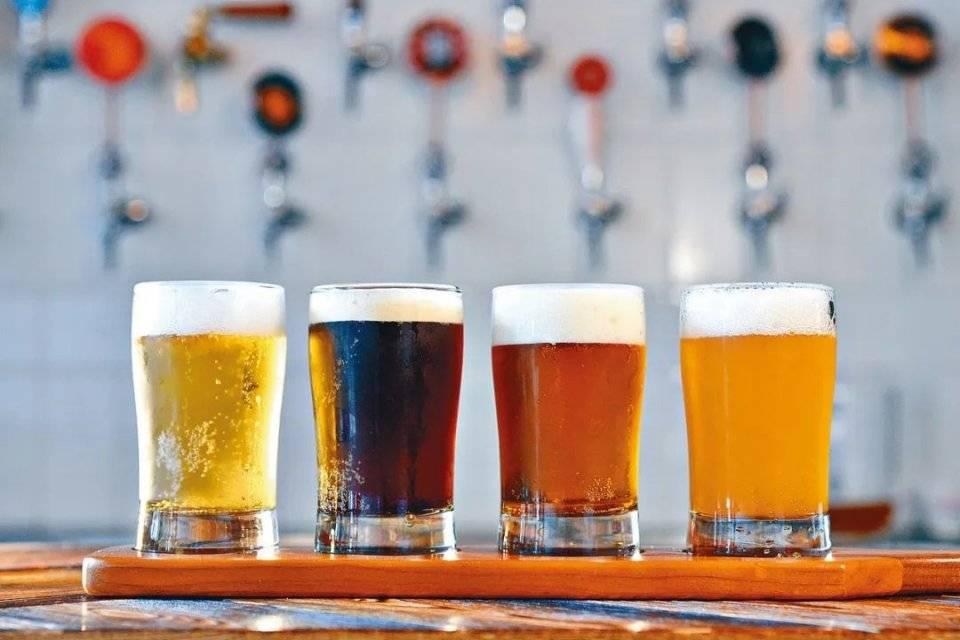 """啤酒业""""关厂潮""""仍在持续 高端之争愈演愈烈:未来谁执牛耳?"""
