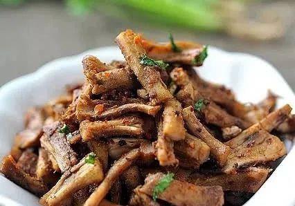美食精选:手撕蘑菇根、茄子末、砂锅鱼内脏、扇贝肉和红烧豆腐