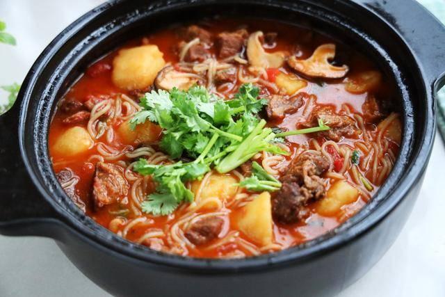 伏天最爱的一锅炖,有肉有菜有汤汁,夏天就吃这一口真够味 ..._图1-2
