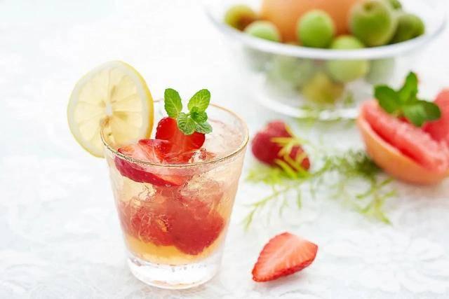 """喝""""甜酒""""对身体有好处?记住两个""""饮酒法则"""",酒桌上可以救命"""