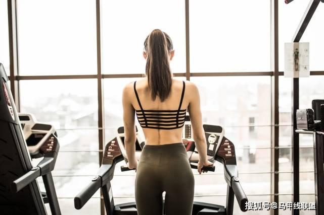 夏天太热不想出门减肥怎么办?学会这几招,在家也能减肥瘦身!