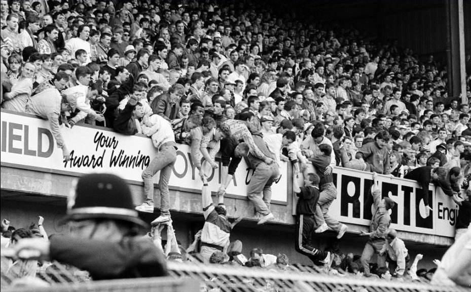 史上最惨足球比赛,94位球迷当场死亡,希尔斯堡惨案始末