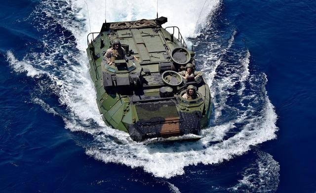 美精锐部队在海上翻车,十多名士兵伤亡失踪,大批军舰全速营救