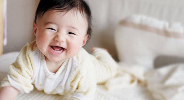 原创一岁半的孩子:独立穿衣洗澡做早餐,现在的孩子在起跑线上就赢了