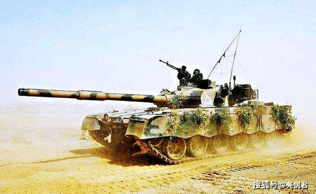 印度边境增兵,巴铁紧急交付新型坦克,新款哈立德碾压T-90S