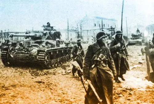 败局已定的战争,对德国人来说1943 年是全面恶化的一年_德国新闻_德国中文网