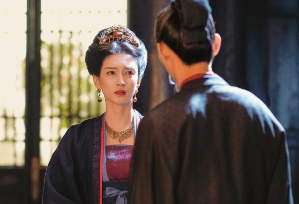 当《三十而已》主演换上古装,陈屿儒雅钟晓芹甜