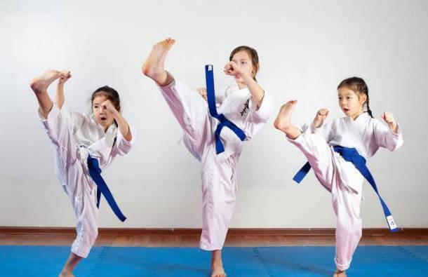 """孩子有这4个表现,说明处于身高""""猛涨期"""",抓住时机让娃长大个"""