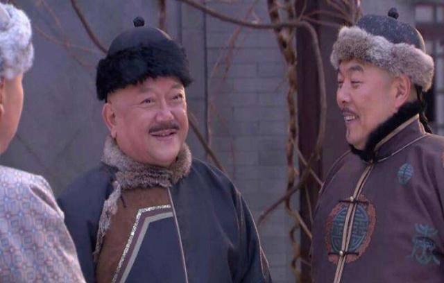 和珅是出了名的大贪官,乾隆为什么没有杀他,原来是另有心机