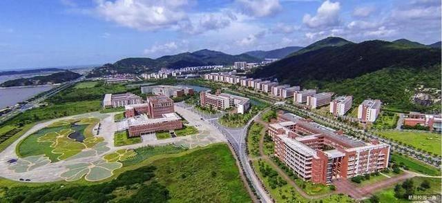 原创河南考生,上海大学和吉林大学选择哪一所?