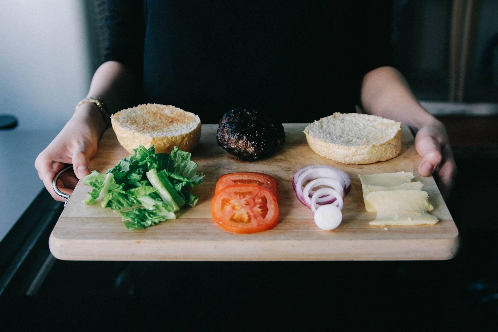 减肥必须控制食量吗,偶尔大吃一顿会不会影响瘦身效果?
