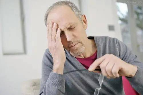 老了你会经常性骨折吗?7个症状你自测下