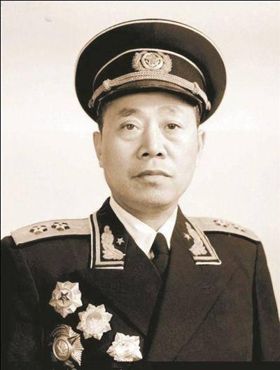 第二十三军军长换了三位,都是名将,政委始终是这位开国中将